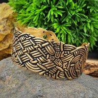 Wikinger Armreif aus Bronze mit Flechtknoten-Design.