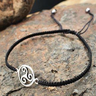 Armband aus Stoff - Größenverstellbar - mit 925er Silberanhänger Triskele
