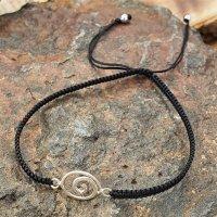 Armband aus Stoff - Größenverstellbar - mit 925er Silberanhänger Keltische Spirale