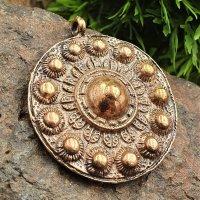 """Keltische Schild Schmuck Amulett """"CEALLACH"""" aus Bronze"""