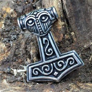Mjölnir Schmuck Anhänger - verziert mit einem Wikingerhelm - aus 925 Sterling Silber