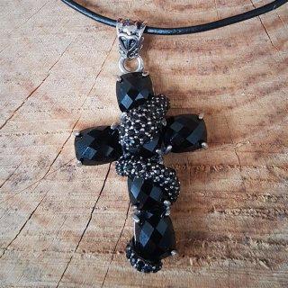 """Kreuz Anhänger """"LINDWURM"""" mit schwarze Steine, aus Edelstahl"""