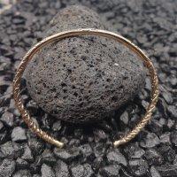 Bronzearmreif mit keltischen Verzierungen