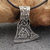 Mammenaxt Anhänger verziert mit einem Valknut Knoten aus 925 Sterling Silber