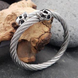 Edelstahl Stahlseil Armband mit Totenköpfen -  flexibel Stahl