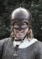 Der Gjermundbu Helm mit vernieteter Brünne, 2 mm Stahl Medium: 62 cm x 22 cm x 19 cm 2,9 kg