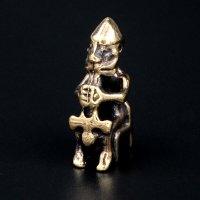 Bronze Schmuckanhänger - Sitzende Thor mit seinem...