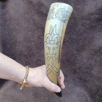 Trinkhorn, graviert mit einer Odinsmaske im Oseberg Stil